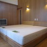 寝室 ナチュラルモダンのベッド