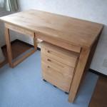 天然木アルダー無垢材の学習机 自然塗装