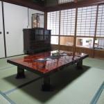 天然木モンキーポッド一枚板 和風柄麻テーブルランナー