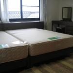 ウォールナット無垢のベッドフレーム