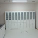 ホワイトハイグロスの食器棚